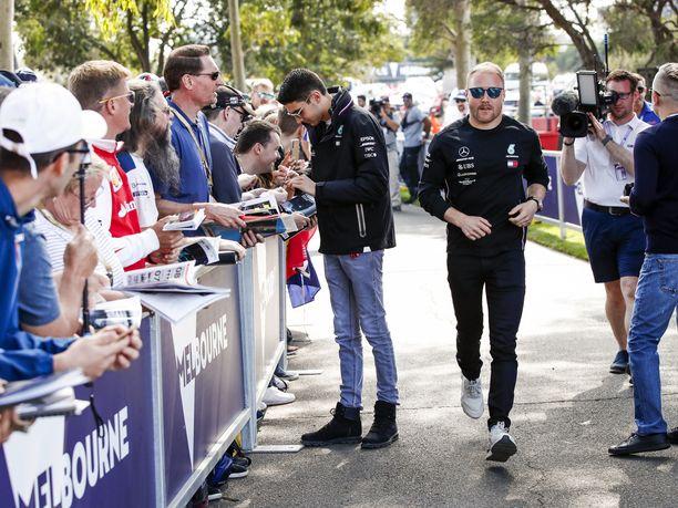 Mercedeksen toiseen autoon on ensi kaudeksi vain kaksi ehdokasta: Esteban Ocon ja Valtteri Bottas.