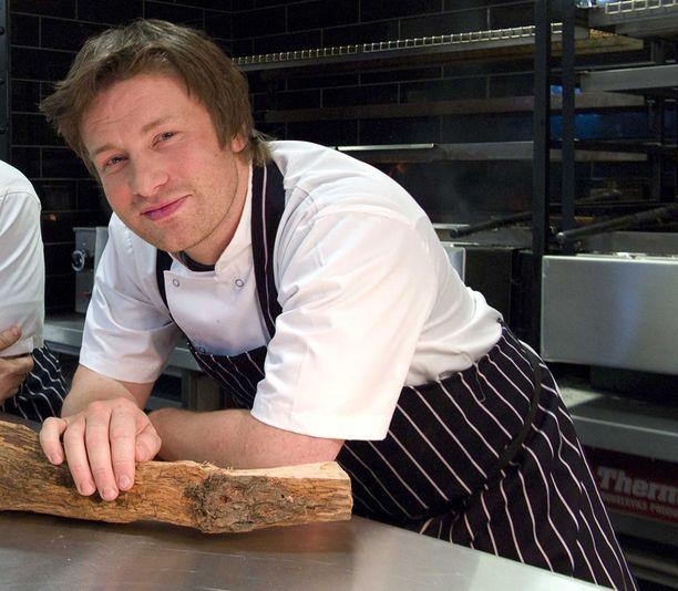 Jamie Oliverin nopeiksi lupaamiin ohjeisiin upposi jopa kolminkertainen aika.