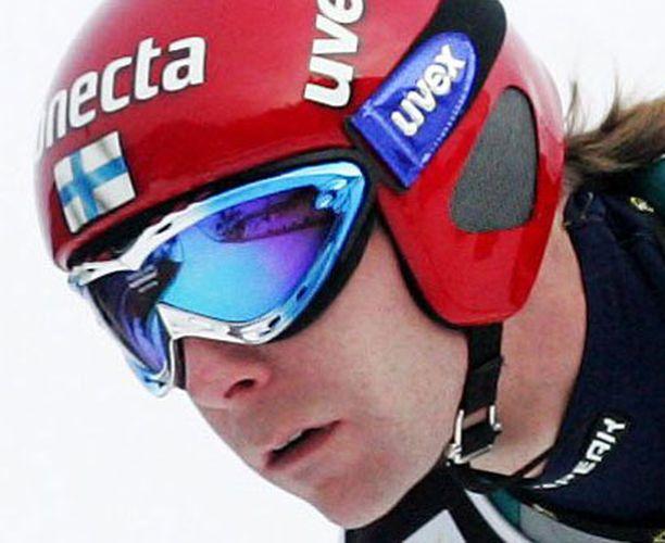 Janne Ahonen ehti leiskaista 119 metrin hypyn Innsbruckissa.