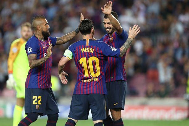 Barcelonan johto esitteli logomuutoksen torstaina.