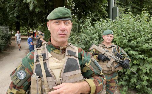 Venäjä vakoilee Nato-sotilaita kuntoilusovellusten kautta - Belgia kieltää älypuhelimet Baltiassa työskenteleviltä