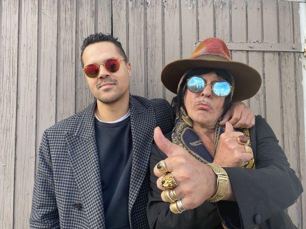 """Narinder """"Nape"""" Singh ja Andy McCoy tekevät musiikkia yhdessä: Jeliah feat. Andy McCoyn ensimmäinen kappale Complicated on julkaistu, ja lisää on tulossa."""