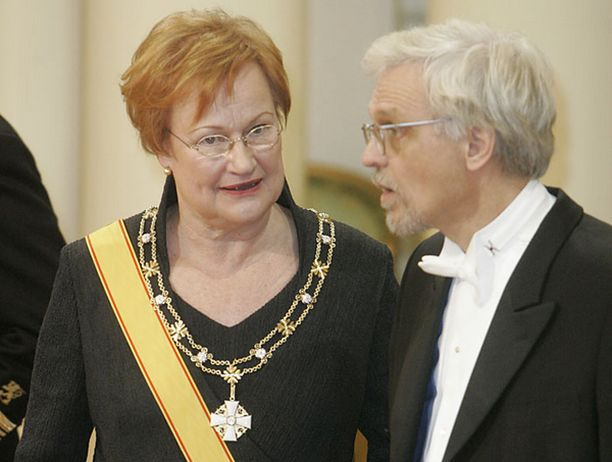 Tarja Halonen ei halunnut juhlien välittävän brändättyä Suomi-kuvaa.