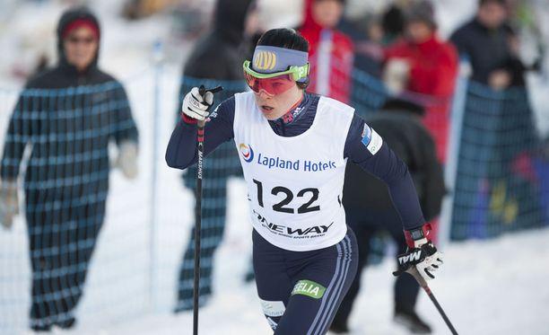 Krista Pärmäkoski oli ykkönen Oloksen Tykkikisojen 5 kilometrin perinteisen hiihtotavan väliaikalähdössä.