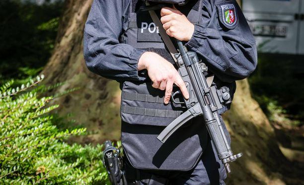 MP5 on käytössä Suomessa jo Karhu-ryhmällä. Kuvassa saksalainen poliisi.