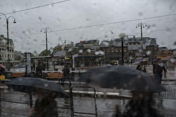 Ilmastonmuutoksen vuoksi Suomessa lämpeneminen on voimakkainta juuri talvisin. Sillä on vaikutusta esimerkiksi rakennuksiin ja maatalouteen.