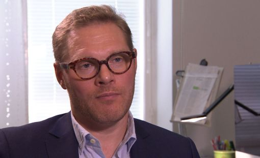 Teppo Järvinen peräänkuuluttaa lääkäreiden taloudellista riippumattomuutta.