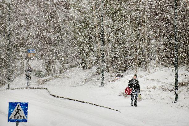 Suomi on lunta tulvillaan.