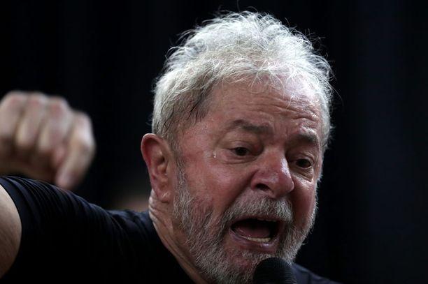 Lula on istunut vankilassa viime huhtikuusta lähtien. Hän sai tuomion viime vuoden kesänä ja ensimmäinen valitus hylättiin tammikuussa.