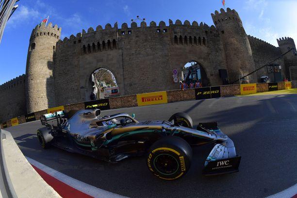 Valtteri Bottas ajoi voittoon Bakussa viime kaudella.