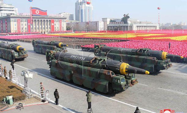 Tämän vuoden helmikuussa Pohjois-Korean pääkaupunki Pjongjangissa esiteltiin maan sotiaallista voimaa.
