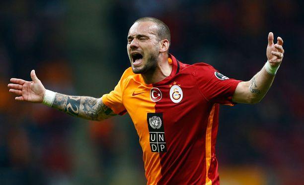 Galatasaray osti Wesley Sneijderin Interistä vuonna 2013. Hollantilaisen hintalappu oli tuolloin 7,5 miljoonaa euroa.