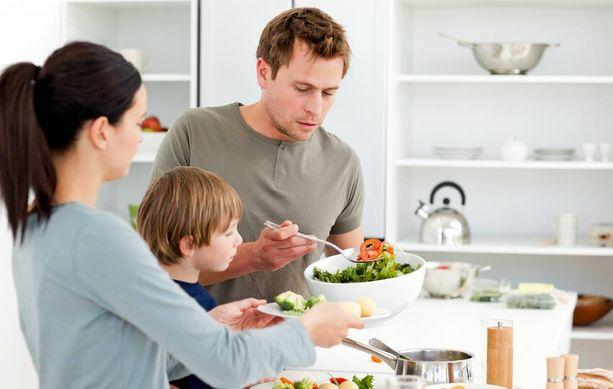 Tasaisesta ateriarytmistä kannattaa pitää huolta.