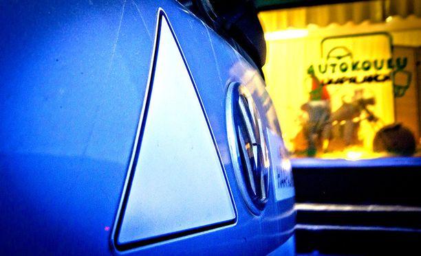 Työryhmä esittää ajo-oikeuden laventamista syrjäseuduilla.