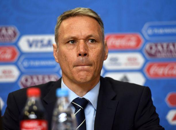 Marco van Basten pyysi jälkeenpäin anteeksi sanomisiaan.