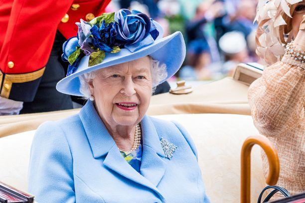 Kuningatar Elisabet ei käynyt perinteisiä kouluja.