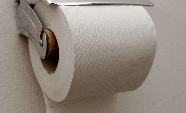 Eikä vessapaperirullaa ole koskaan aseteltu näin. Koska tämä on väärin.