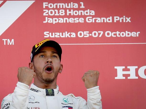 Lewis Hamilton on tuulettanut tämän kauden 17 osakilpailussa yhdeksää voittoa.
