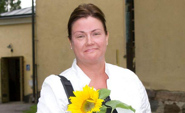 Tarja Omenainen on työskennellyt toimittajana.