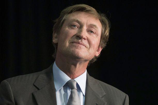 Wayne Gretzky vietti päivän sairaalassa pyörtymisen jälkeen.