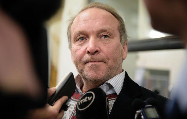 Kansanedustaja Teuvo Hakkarainen on ollut lähes kaikki kohuja seuranneet kuukaudet sairauslomalla.