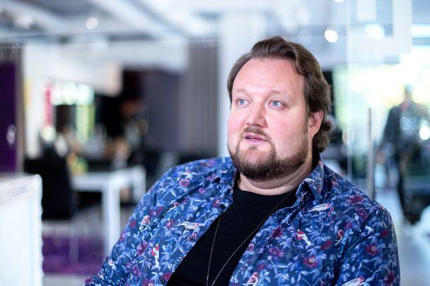 Sami Hedberg kehittää uusia liiketoimintaideoita, kunnes pääsee palaamaan keikkalavoille.