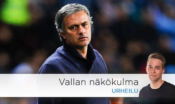 José Mourinho kaivaa lähtökuoppiaan Real Madridissa.