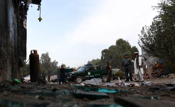 Afganistanissa olot ovat epävakaat. Kuva pommi-iskusta lauantailta Nangarharin maakunnasta.