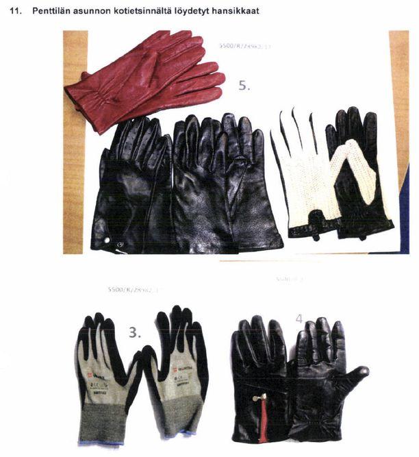 Sarjakuristaja Michael Penttilän asunnosta löydetyt hansikkaat.