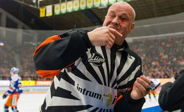 Jari Levonen loukkaantui.