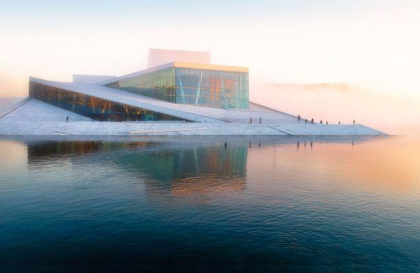 Oslon oopperatalo on mainio esimerkki komeasta nykyarkkitehtuurista.
