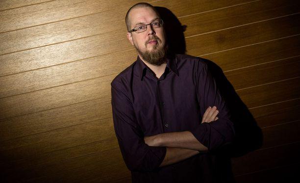 Tuomas Kyrön ensimmäinen Mielensäpahoittaja-kirja julkaistiin 2010.
