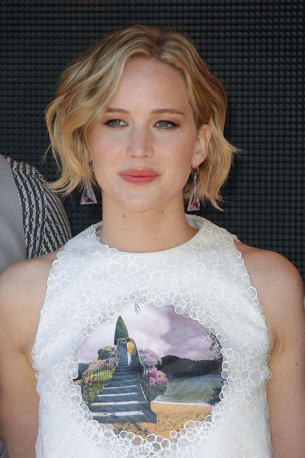 24-vuotias Jennifer Lawrence tuli tunnetuksi Nälkäpeli-elokuvasta.