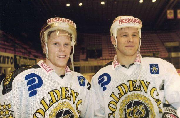 Saku Koivu-Raimo Summanen oli kova tutkapari kaudella 1994-95.