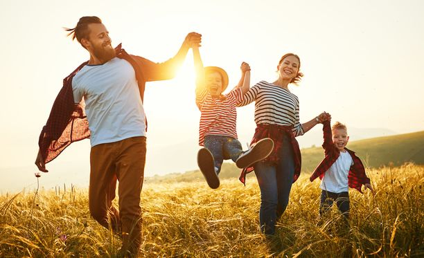 Kaksilapsinen perhe saa lapsilisää yhteensä 199,72 € kuukaudessa.