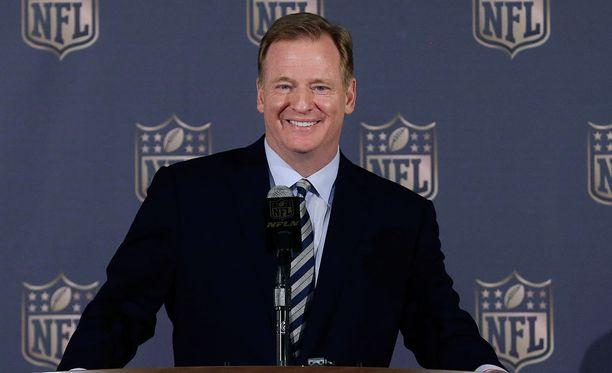 Roger Goodell tahkoo rahaa NFL:n johdossa.
