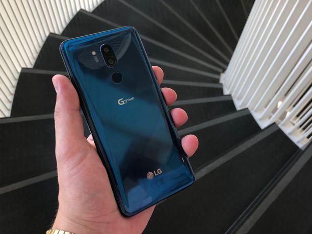 Sininen G7 Thinq takaa.