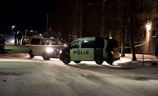 Iso poliisioperaatio herätti paljon huomiota Pietarsaaressa.