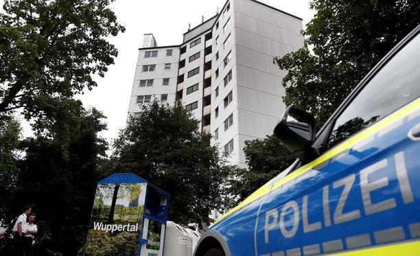 Sakssa Wuppertalin kaupungissa evakuoitiin 11-kerroksinen talo, sillä rakennuksessa on käytetty samankaltaista päällystemateriaalia kuin Lontoon Grenfell-tornitalossa.