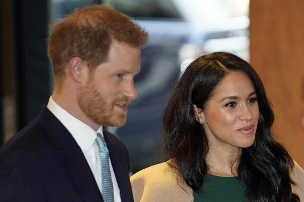 Prinssi Harry ja herttuatar Meghan suntaavat asunnonetsintään.