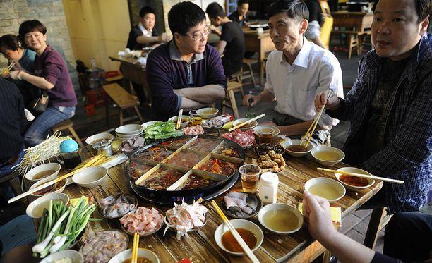 Hot pot -ruoka on erittäin suosittua Chengdussa. Kuvistuskuva.