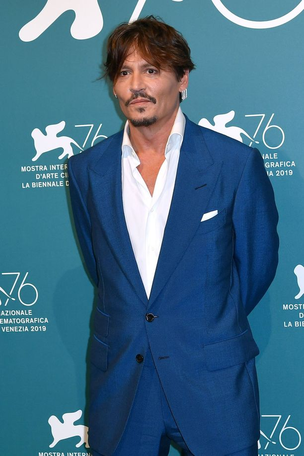 Johnny Depp ei tuota Michael Jackson -musikaalia.