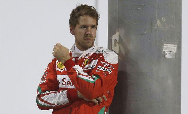 Sebastian Vettel luisui ulos radalta Fioranossa.