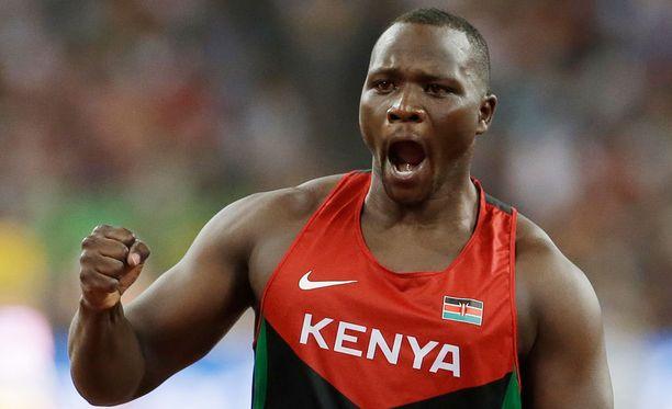 Julius Yego heitti MM-kultaa 92,72 metrin kaarellaan.