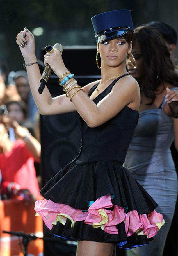 Rihannan röyhelömini NBC:n Today Show'ssa kesäkuussa oli pientä verrattuna viime talvena nähtyihin seksiä tihkuviin pvc-viritelmiin.