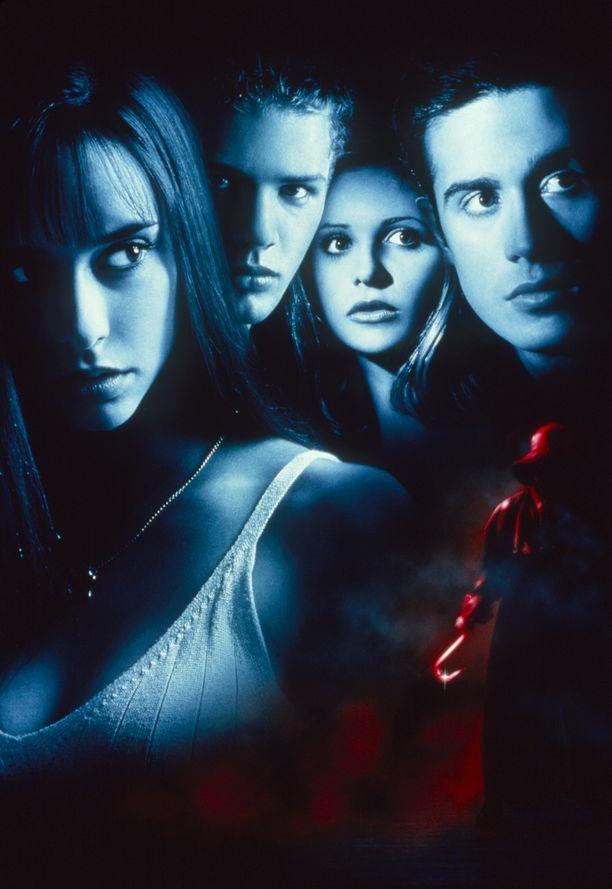 Jennifer Love Hewitt, Ryan Phillippe, Sarah Michelle Gellar ja Freddie Prinze Jr. tähdittivät teinikauhuelokuvaa.