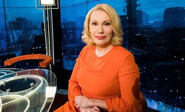 Sanna Ukkola on tunnettu muun muassa Ylen monista tv-ohjelmista.