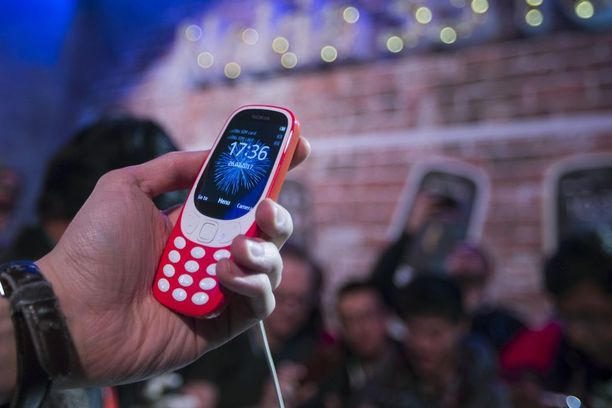 HMD Global julkisti Nokia-älypuhelimet ja uusitun version legendaarisesta 3310:stä sunnuntaina Barcelonassa. Alkuperäinen 3310 tuli myyntiin vuonna 2000.
