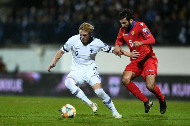 Fredrik Jensen ja kumppanit pyrkivät varmistamaan Suomen EM-kisapaikan Liechtensteinia vastaan 15. marraskuuta.