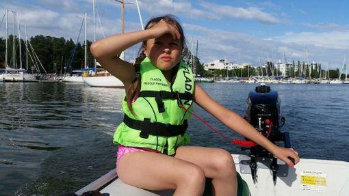 Helsinkiläinen Nikki veneili omalla kumiveneellään lähes joka päivä viime kesänä. Nyt kovalla työllä hankittu vene on todennäköisesti varastettu.